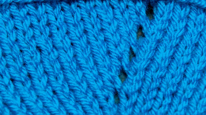 Knitting Stitches Yarn Over : How to Knit The Yarn Over (YO) NEW STITCH A DAY